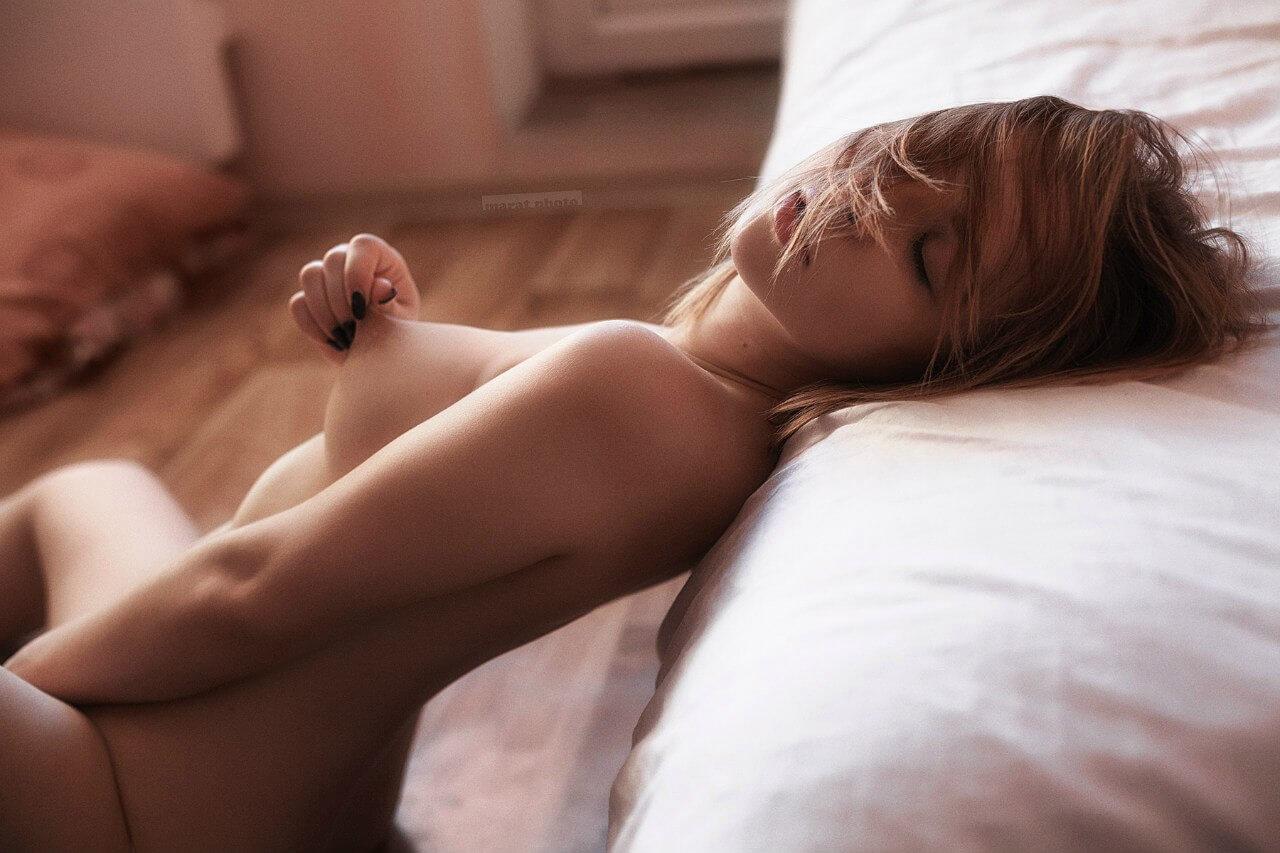 Сексуальные девушки возбуждающие сами себя шлюху недорого выезд